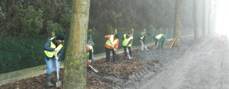 Pour une barrière bien réussie, commencer par creuser une tranchéee...