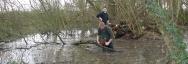 Ouverture de mare par des bénévoles lors d'un chantier nature Blongios